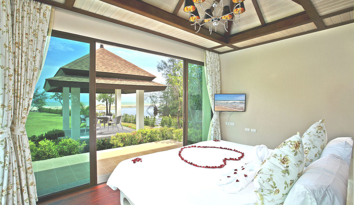 Family 2-Bedroom Villa with Private Pool